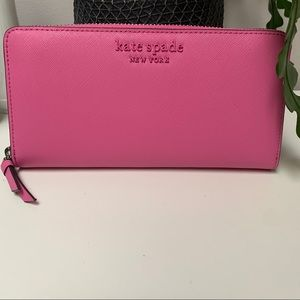 NWT Kate Spade pink leather wallet NEVER USED